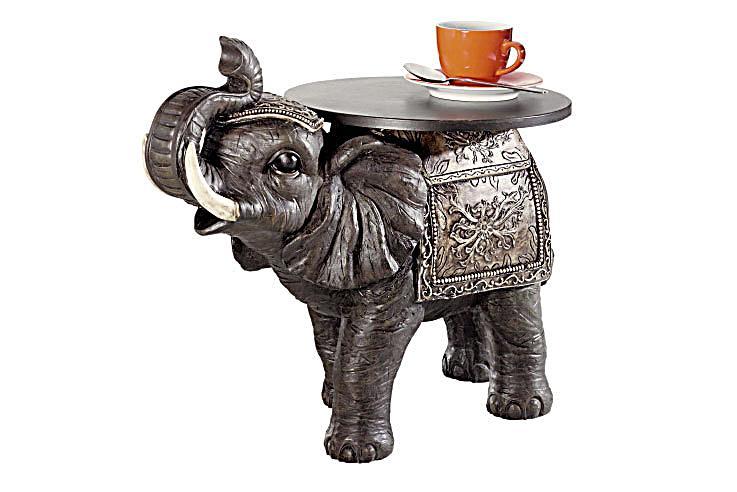 tisch mit elefanten