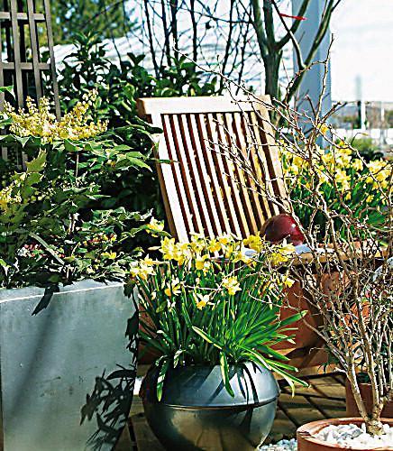die sch nsten balkone und terrassen f r intelligente faule. Black Bedroom Furniture Sets. Home Design Ideas