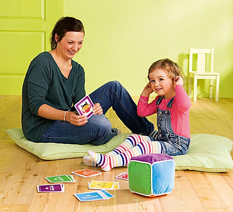roll play spielw rfel das erste spiel f r ihr kind und sie. Black Bedroom Furniture Sets. Home Design Ideas