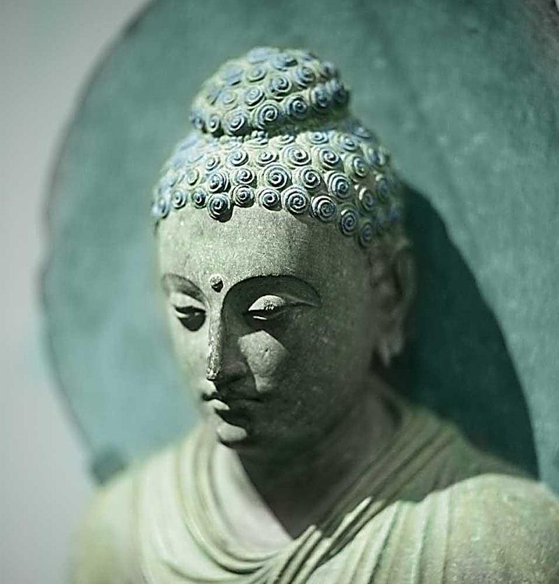 The buddha 39 s smile 2018 kalender bei bestellen for Buddha bestellen