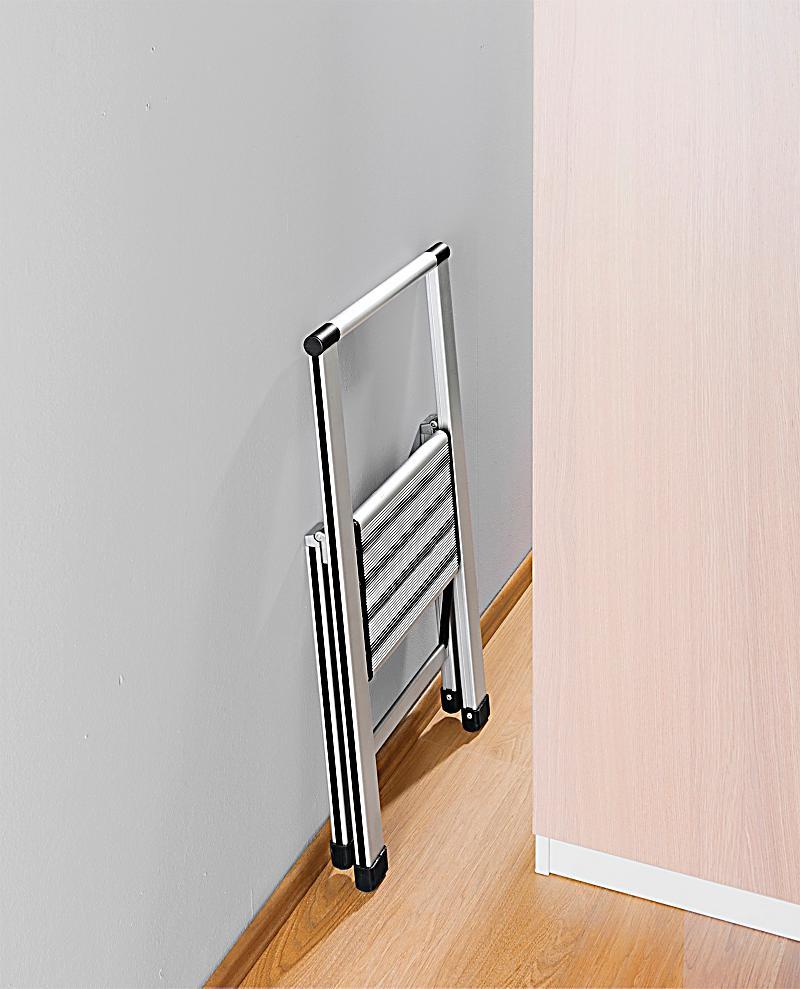 wenko alu design klapptrittleiter 1 stufig haushaltsleiter. Black Bedroom Furniture Sets. Home Design Ideas
