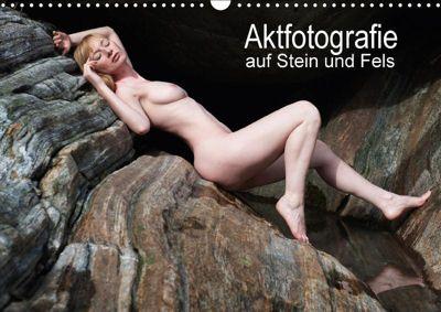 Aktfotografie auf Stein und FelsenCH-Version (Wandkalender 2018 DIN A3 quer), Judith Geiser