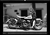 Harley Davidson WLA 750 in Schwarzweiss (Wandkalender 2018 DIN A2 quer) Dieser erfolgreiche Kalender wurde dieses Jahr m - Produktdetailbild 4