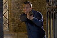 "James Bond: Casino Royale - 2-Disc Collector's Edition, inklusive Buch ""Bond on Set"" - Produktdetailbild 7"