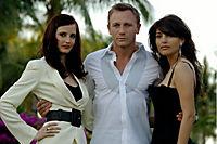 "James Bond: Casino Royale - 2-Disc Collector's Edition, inklusive Buch ""Bond on Set"" - Produktdetailbild 1"