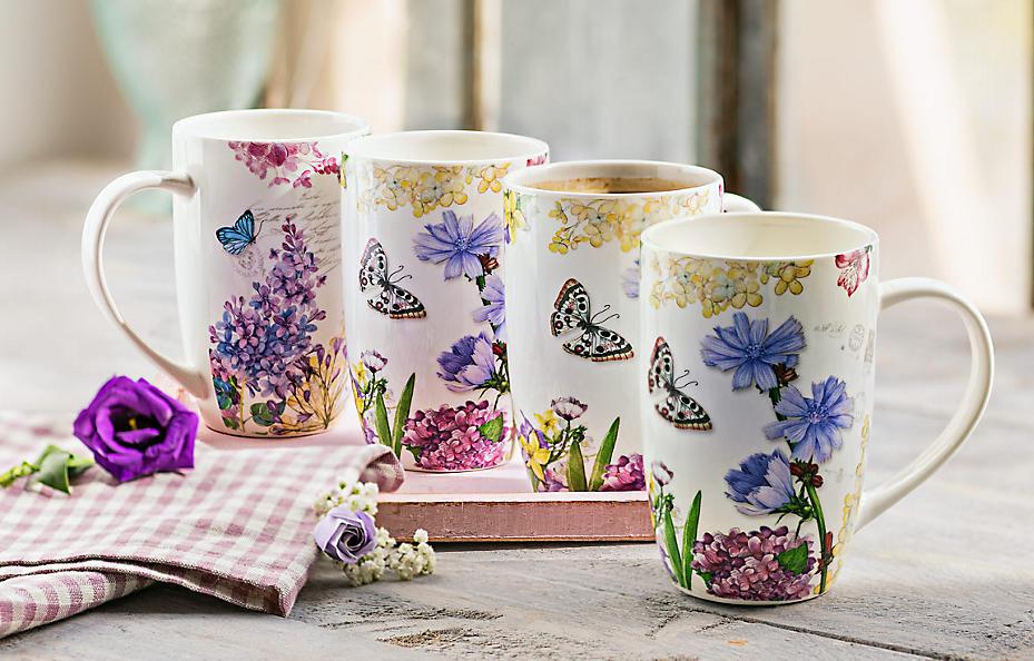 Extra große Tee- und Kaffeebecher mit Blütenzauber und Schmetterlingen