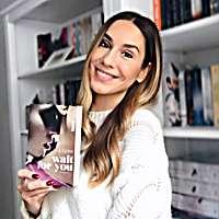 Vanessa reads