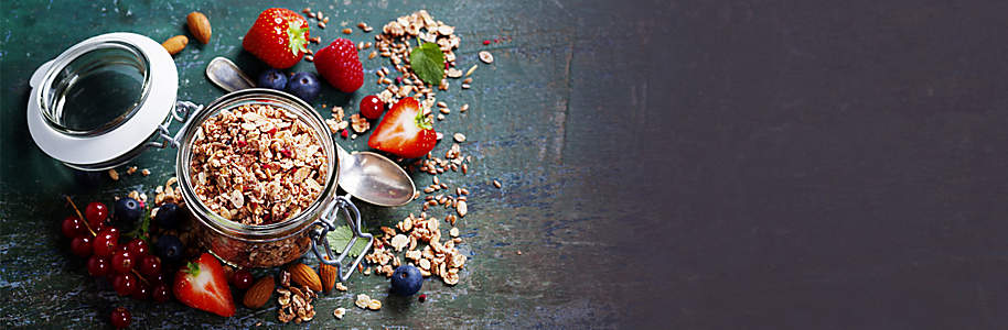 #Superfood  Köstliches, gesundes Essen zu geniessen, sich grossartig zu fühlen und blendend auszusehen - Darum geht es in diesem Themenspecial. Hier finden Sie alles was es für eine gesunde Ernährung braucht: **Kochbücher** mit gesunden und leckeren Rezepten, das revolutionäre Abnehmprogramm **Slim World** und **praktische Helfer für die Küche**.    Starten Sie noch heute in ein neues Leben, mit gesunder Ernährung und einem tollen Lebensgefühl.