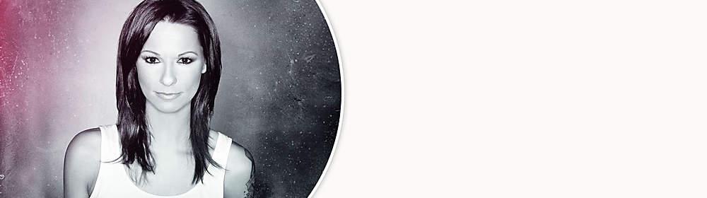 """##Christina Stürmer##  Zwei Echo Awards, zehn Amadeus Awards. Von der Goldenen Stimmgabel zum Leading Ladies Award. Ob Gold oder Platin. Musikalische Momentaufnahmen von Christina Stürmers Werdegang finden sich ab dem 15.05.15 auf dem neuen Best of Album """"Gestern. Heute. Einen Blick auf das Gestern. Auf das Heute. Gesungen von einer der markantesten Stimmen, die in der deutschsprachigen Musiklandschaft zu Hause sind: Christina Stürmer. Eine Musikerin, die nach wie vor mit beiden Beinen im Leben steht. Natürlich, bodenständig und selbstbewusster.  {{ button href=""""/artikel/musik/gestern-heute-best-of_20338376-1"""" text=""""Zur aktuellen CD""""}}"""