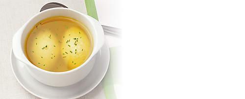 """###Sojanockerl  Schnell und köstlich sind diese Nockerl für die Suppe. Sojanockerl können Sie auch als Hauptgericht mit Blattspinat oder Grünkohlgemüse verwenden. Dieses Rezept ist mit dem Probiotik-Eiweiss-Drink zubereitet und für forciertes Abnehmen geeignet.  {{ button href=""""/news/downloads/171-Sojanockerl.pdf"""" text=""""Rezept gratis herunterladen""""}}"""