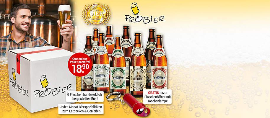 """#Bierspezialitäten zum Entdecken, Genießen oder Verschenken Sind Sie Bierliebhaber und probieren gerne etwas Neues? Oder suchen Sie das besondere Geschenk für Weihnachten, Geburstag oder ein besonderes Jubiläum? Dann wird Sie dieses Angebot begeistern: Die große **ProBier-Box mit 9 Flaschen regionaler Bierspezialitäten** kleiner handwerklicher Brauereien in Deutschland, die nur schwer oder gar nicht im Handel zu finden sind. Immer dabei: **Das Bier des Monats, preisgekrönt von Biersommeliers**. Schmecken Sie hochwertigste, deutsche Biervielfalt und tauchen Sie ein in eine lebendige Bierkultur.  Starten Sie jetzt mit **9 handwerklich gebrauten und international ausgezeichneten Bieren** der Augsburger Brauerei und Braumanufaktur Riegele. In Ihrem Start-Paket dabei: """"Commerzienrat Riegele Privat"""" – zum Bier des Jahrzehnts gewählt und von der amerikanischen Fachzeitschift The Beer Connoisseur als weltbestes Bier 2018 prämiert.  **GRATIS dazu:** die **ProBier-Zeitung** und die **LED-Taschenlampe mit Flaschenöffner** als Dankeschön für Ihre rasche Bestellung.  **Bestellbar ab 18 Jahren.**  {{ button href=""""/weltbild-editionen/hobby-praxiswissen/bier/bestellen"""" text=""""Jetzt bestellen""""}}"""