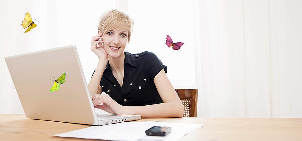 """Jetzt erfolgreicher Autor werden!  Mit tolino Self-Publishing in nur drei Schritten zum eigenen eBook!Sie schreiben gerne und möchten Ihre Werke mit anderen teilen, dann sind Sie bei uns richtig: Veröffentlichen Sie Ihr eBook einfach bei tolino media, der Self-Publishing-Plattform von tolino. Ob Bestseller-Autor oder Anfänger - tolino ist der richtige Partner!  {{ button href=""""/ebooks/tolino-selfpublishing"""" text=""""Jetzt informieren""""}}"""