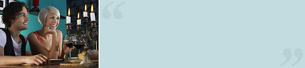 """""""Licht-Deko""""Kathrin S. (Weltbild-Kundin) meint dazu:  *Mein Freund und ich machen es uns in der kalten Jahreszeit gern zu Hause gemütlich und laden auch oft Freunde ein. Dabei kann man mit der passenden Beleuchtung oder ein paar Kerzen echt tolle Effekte erzielen. Da haben oft schon Kleinigkeiten eine große Wirkung! Wir haben hier bei Weltbild schon so viele tolle Anregungen und Angebote gefunden und schauen daher immer wieder mal rein. Und echte Schnäppchen haben wir auch schon oft gemacht!*"""