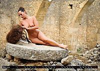 Aktfotografie in alten Mühlen (Wandkalender 2019 DIN A2 quer) - Produktdetailbild 3