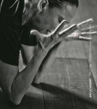 Arila Siegert. Tänzerin Choreografin Regisseurin