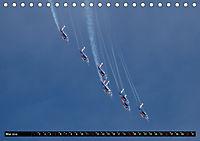 Augenblicke in der Luft: Patrouille de France (Tischkalender 2019 DIN A5 quer) - Produktdetailbild 5