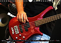 BASS GUITARS put into the spotlight (Wall Calendar 2019 DIN A4 Landscape) - Produktdetailbild 4