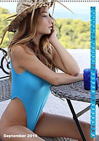 Beauties im Badeanzug (Wandkalender 2019 DIN A2 hoch) - Produktdetailbild 9