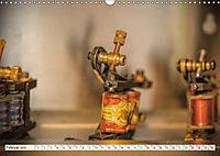 Beim Tätowierer (Wandkalender 2019 DIN A3 quer) - Produktdetailbild 2