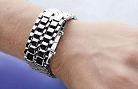 "Design-LED-Uhr ""Iron Samurai"", breit - Produktdetailbild 2"