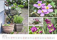 Ein Garten, der zum Verweilen einlädt (Wandkalender 2019 DIN A2 quer) - Produktdetailbild 7