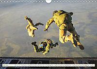 Fallschirmjäger 2019. Impressionen von Mensch und Material (Wandkalender 2019 DIN A4 quer) - Produktdetailbild 5