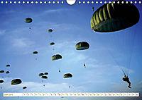 Fallschirmjäger 2019. Impressionen von Mensch und Material (Wandkalender 2019 DIN A4 quer) - Produktdetailbild 11