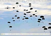 Fallschirmjäger 2019. Impressionen von Mensch und Material (Wandkalender 2019 DIN A4 quer) - Produktdetailbild 3