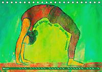 Farbige Yoga Kraftwelt - Yoga Asanas für die Chakren (Tischkalender 2019 DIN A5 quer) - Produktdetailbild 5