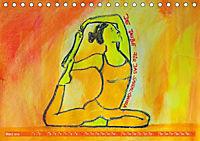 Farbige Yoga Kraftwelt - Yoga Asanas für die Chakren (Tischkalender 2019 DIN A5 quer) - Produktdetailbild 3