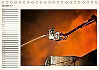Feuerwehr - selbstlose Arbeit weltweit (Tischkalender 2019 DIN A5 quer) - Produktdetailbild 1