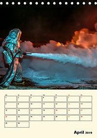 Feuerwehr - selbstloser Dienst weltweit (Tischkalender 2019 DIN A5 hoch) - Produktdetailbild 4