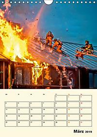 Feuerwehr - selbstloser Dienst weltweit (Wandkalender 2019 DIN A4 hoch) - Produktdetailbild 3