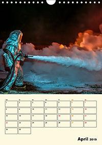 Feuerwehr - selbstloser Dienst weltweit (Wandkalender 2019 DIN A4 hoch) - Produktdetailbild 4