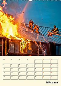 Feuerwehr - selbstloser Dienst weltweit (Wandkalender 2019 DIN A2 hoch) - Produktdetailbild 3