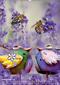 Fröhlich-bunte Gartendekos (Wandkalender 2019 DIN A2 hoch) - Produktdetailbild 9
