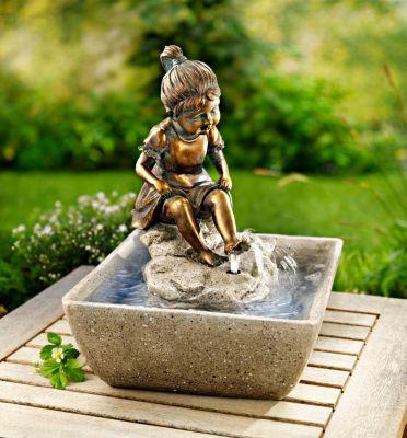 Gartenbrunnen Mädchen