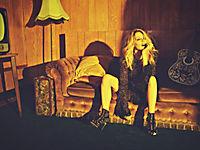 Golden (Deluxe Edition) - Produktdetailbild 4