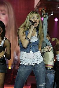 Hannah Montana & Miley Cyrus - Best Of Both Worlds Concert - Produktdetailbild 1