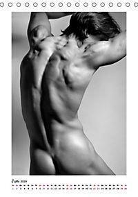 Hinterteile von knackigen Männern (Tischkalender 2019 DIN A5 hoch) - Produktdetailbild 6