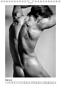 Hinterteile von knackigen Männern (Wandkalender 2019 DIN A4 hoch) - Produktdetailbild 6