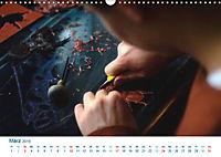 Kreatives Basteln 2019. Impressionen von Mensch und Material (Wandkalender 2019 DIN A3 quer) - Produktdetailbild 3