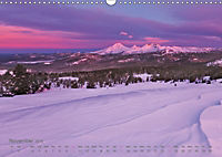 Land in the Light - Mountains and Coastals in Oregon and Washington - by Jeremy Cram / UK-Version (Wall Calendar 2019 DI - Produktdetailbild 11