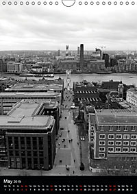 London view from St. Paul's Cathedral (Wall Calendar 2019 DIN A4 Portrait) - Produktdetailbild 5