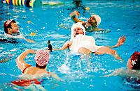 Männer im Wasser - Produktdetailbild 2