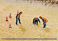 Miniaturfiguren in der Makrowelt ...ganz gross im Garten (Tischkalender 2019 DIN A5 quer) - Produktdetailbild 8