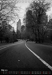 New York - Szenen in Schwarz - Weiß (Tischkalender 2019 DIN A5 hoch) - Produktdetailbild 5