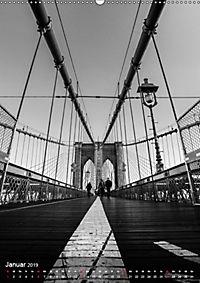 New York - Szenen in Schwarz - Weiss (Wandkalender 2019 DIN A2 hoch) - Produktdetailbild 1