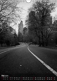 New York - Szenen in Schwarz - Weiß (Wandkalender 2019 DIN A4 hoch) - Produktdetailbild 5