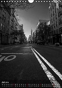New York - Szenen in Schwarz - Weiß (Wandkalender 2019 DIN A4 hoch) - Produktdetailbild 7